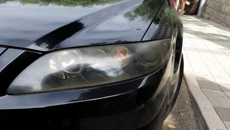 how to clean foggy hazy headlights on the car