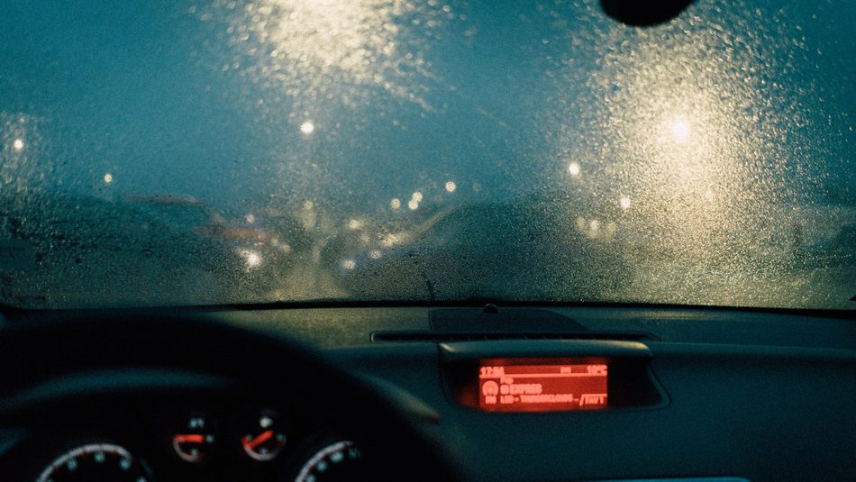 car windshield during the rain, water repellent coatings