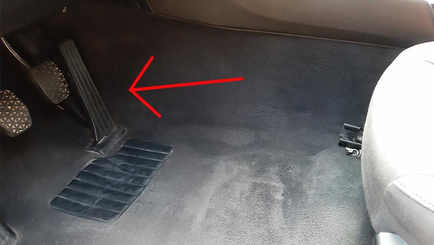 dirty car pedals, bmw e46
