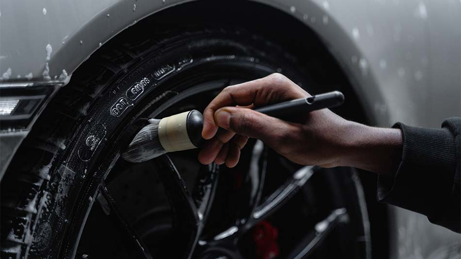 washing car wheels, wash a car without scratching the paint,