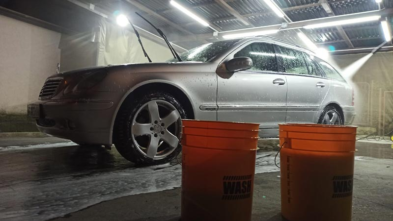 washing a car with 2 buckets, ultimate guide for washing a car