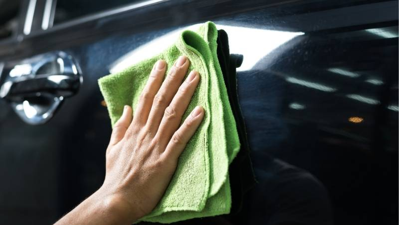 car swirl marks, drying the car, why do cars get swirl marks, how to prevent swirl marks